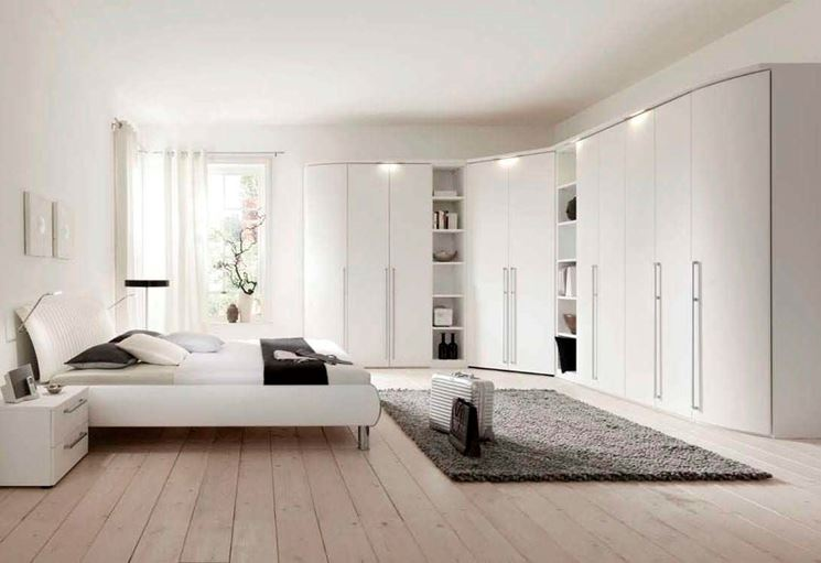 armadi ad angolo armadio componibile caratteristiche armadio ad angolo. Black Bedroom Furniture Sets. Home Design Ideas